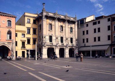 Piazza Ferretto, cinematografo Excelsior; 2004