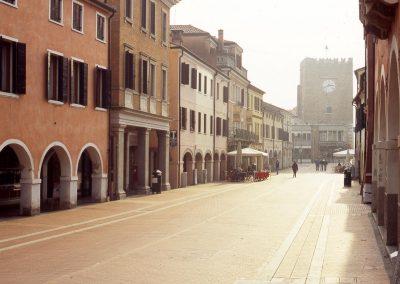 Via Palazzo verso piazza Ferretto; 2005