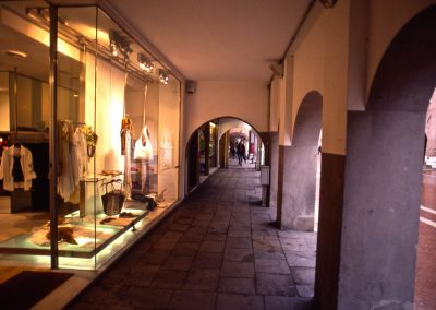 Via Palazzo, sottoportici; 2002