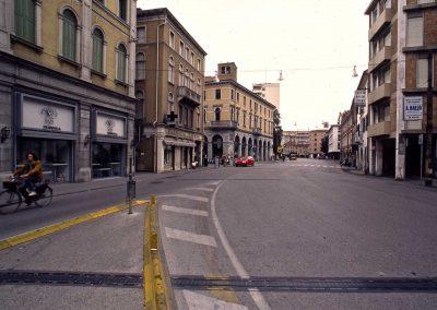 Via Poerio verso piazza Ferretto; 2002