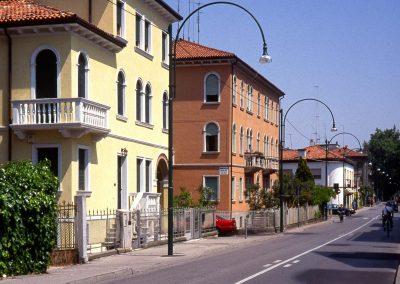Via Bissuola dal ponte di piazzale Generale Cialdini; 2003