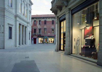 Galleria Matteotti, teatro Toniolo; 2004