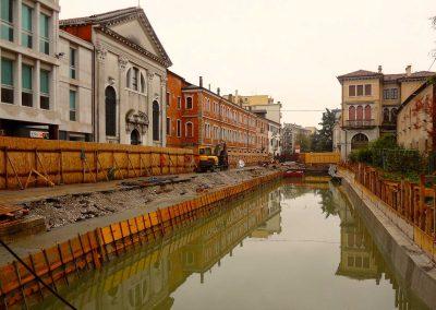 Via Poerio, lavori per l'apertura del canale; 2013