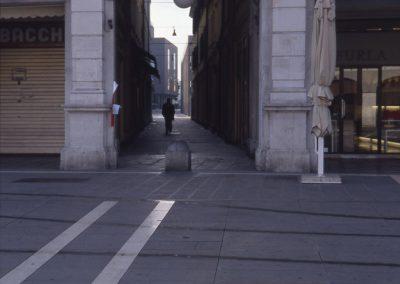 Ingresso via Allegri; 2002
