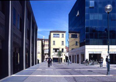 Via Allegri verso la piazza; 2006