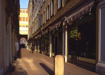 Via Allegri verso la piazza; 2003