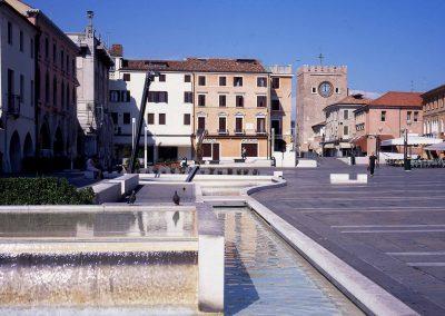 Piazza Ferretto; 2003