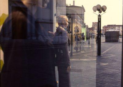 Vetrina in piazza Ferretto; 2007