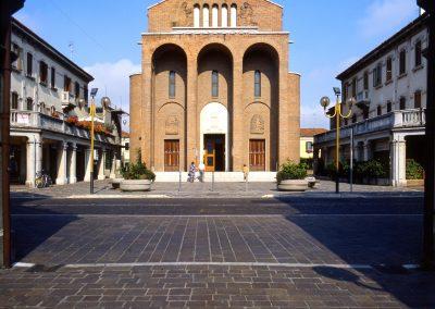 Via Piave, chiesa Madonna di Lourdes; 2004