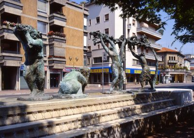 Via Piave, fontana; 2004
