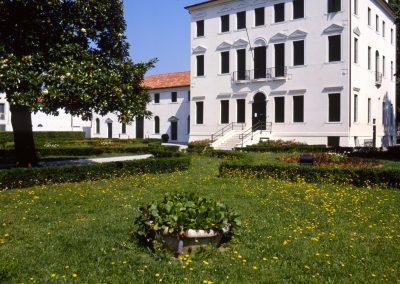 Via Circonvallazione, Giardini Pubblici; 2004